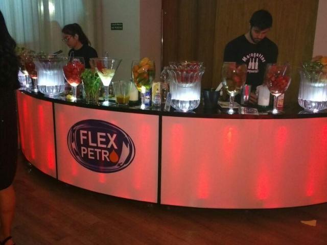 Bartenders para Eventos Corporativos - Maragattos Bartenders - Bartenders e Barman para eventos em Campinas Barman, Bartenders, drinks, coquetéis